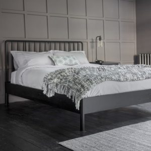 wycombe double spindle bed black