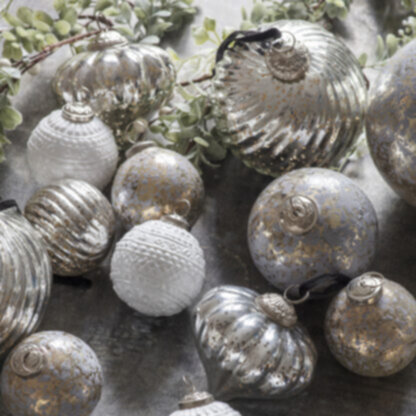 Percy Asstd Fluted Baubles Ant Silver Large (6pk)